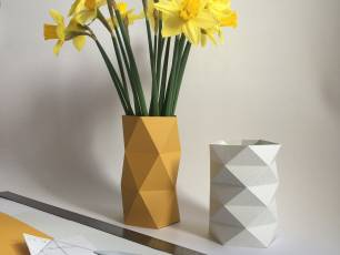 Image for Craft Sunday: Paper folding with Kate Colin}