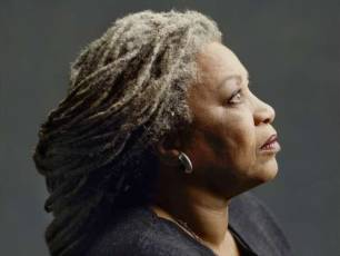 Image for Toni Morrison: The Pieces I Am}